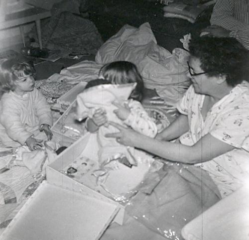 Yvonne - Lynnette (behind doll) - Gram
