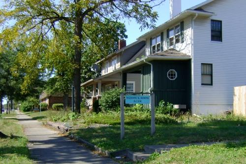 1707 N. Michigan Avenue - side view