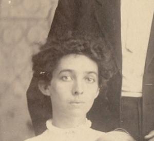 Iva Compton Pratt - about 1909